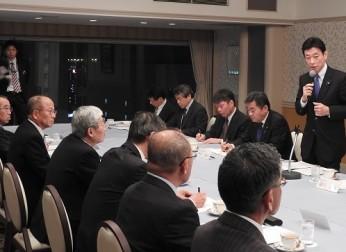 経済財政政策担当大臣と中部の経済団体との意見交換会(12/2)