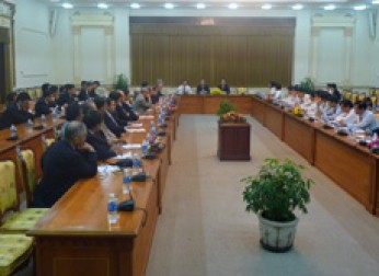 東南アジア経済視察団を派遣