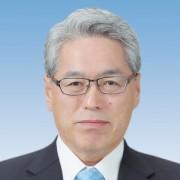 安 藤  仁
