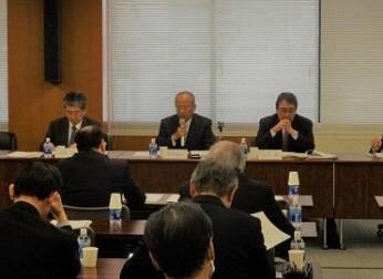 報告書「中部圏のイノベーション活性化に向けて」を発表(3/23)